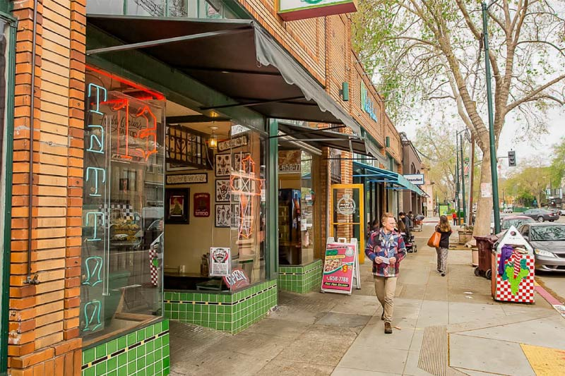 Temescal's Telegraph Ave is lined with a variety of shops, boutiques, and restaurants for residents to choose from.