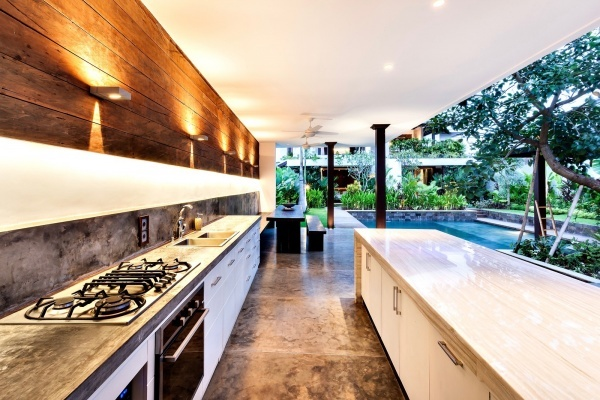 How to Nail Your Outdoor Kitchen