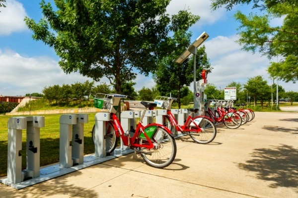 Get Around Austin in Style With These 5 Dockless Bike and Scooter Share Programs