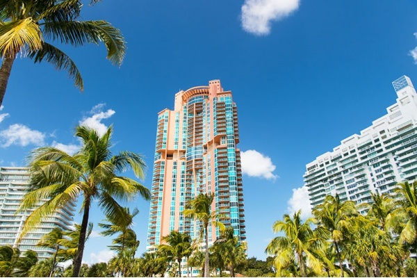 Neighborhoods Where You Can Find Affordable Condos Near the Ocean