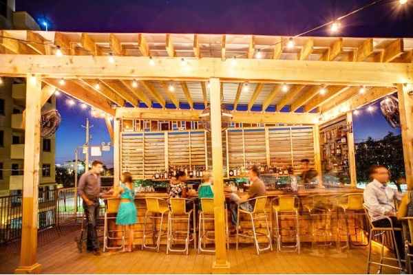 6 Bars That Anchor Their Neighborhoods in Tampa