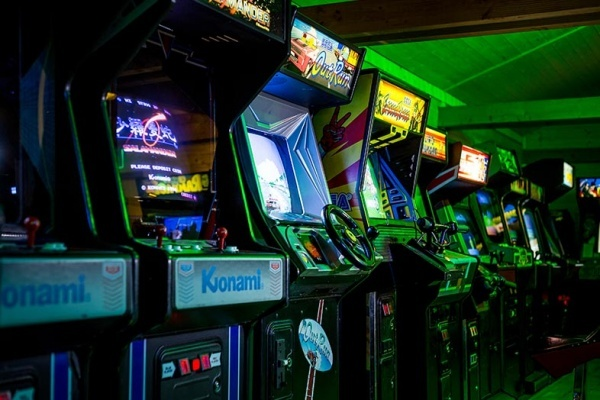 Relive the 1980s With Video Arcade Revivals in the Chicagoland Area