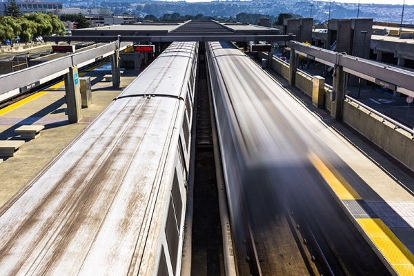 Title photo - Bay Area Tech Executives Support Bill to Build More Housing Near Transit