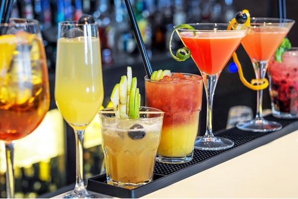 A Neighborhood Guide to Unique Drinks in Las Vegas