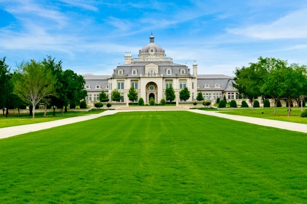 Versailles-Inspired Estate in North Texas Goes Up for Auction