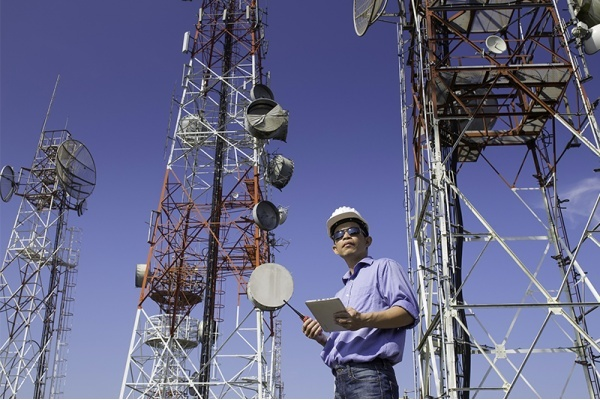 Residents in Growing Southwest Fort Worth Area Seek Better Cell Reception