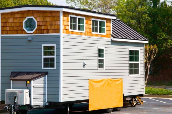 Tiny Homes Pitched for Auburn Gresham to House Homeless Veterans