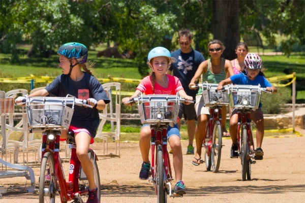 3 Austin Communities With the Best Amenities for Young Families