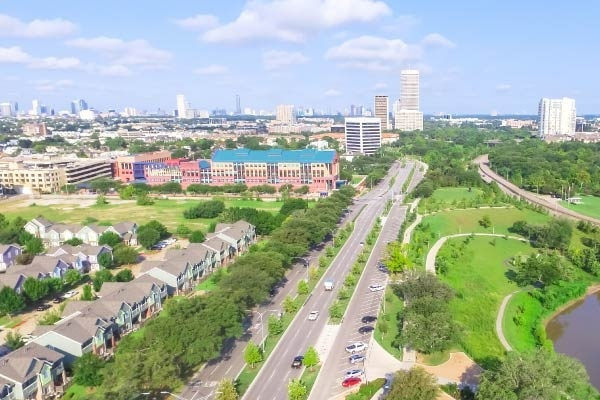 The Ins and Outs of Houston's Inner and Outer Loop Neighborhoods