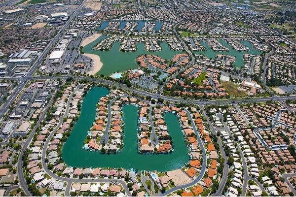 Spotlight on Val Vista Lakes Community in Gilbert, AZ