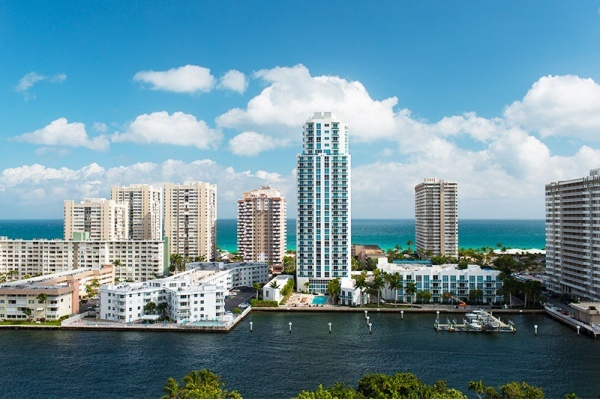 Suburb Spotlight: Hallandale Beach