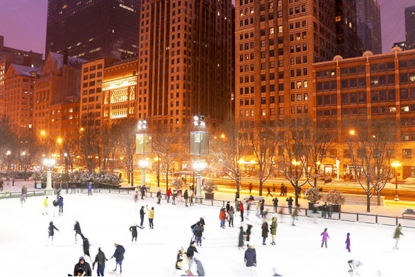 The Chicago Neighborhood Guide to Holiday Cheer