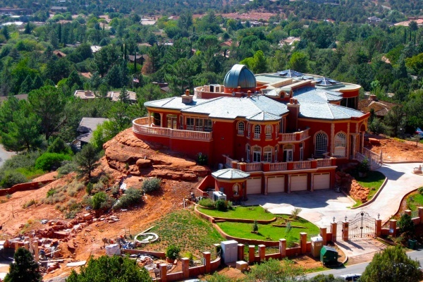 Arizona Housing Inventory Tightens as Builders Chose Luxury Over Affordability