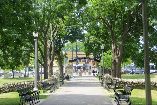 Looking for your new favorite Chicago neighborhood? Try Portage Park