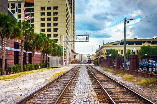 5 Suburban Cities with Easy Commutes to Downtown Orlando