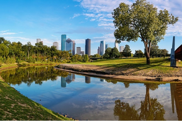 Houston Neighborhoods and Suburbs to Enjoy the Outdoors This Summer