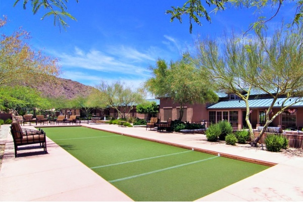 Title photo - Get to Know Your Neighbors in These Phoenix Communities