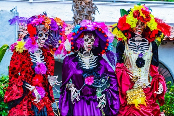 Title photo - Best Neighborhoods in San Diego for Spooky Fun