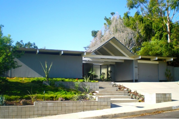 Title photo - Why does the Bay Area have so many Eichler homes?