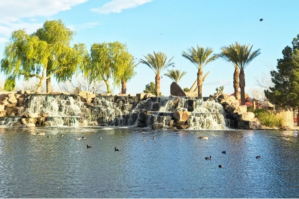 Title photo - Las Vegas' Greenest Neighborhoods