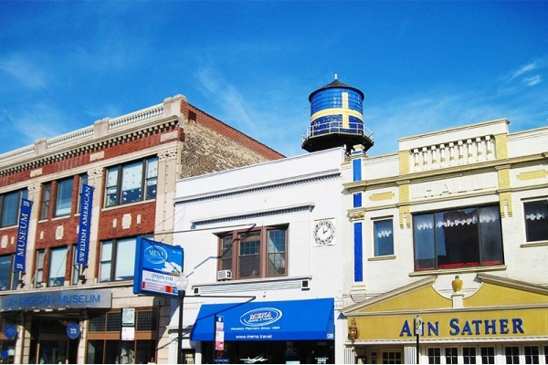 The Charm of Chicago's Andersonville Neighborhood
