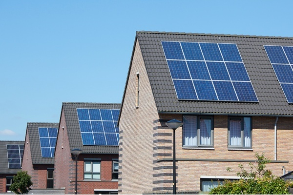 3 Things Illinois Homeowners Need to Know About Solar Energy Programs