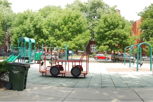 Edgewater's Senn Playlot Park Officially Opens After $800,000 Renovation