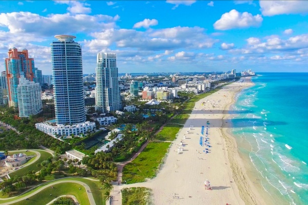 A City Guide to Miami Beach: Paradigm of Paradise