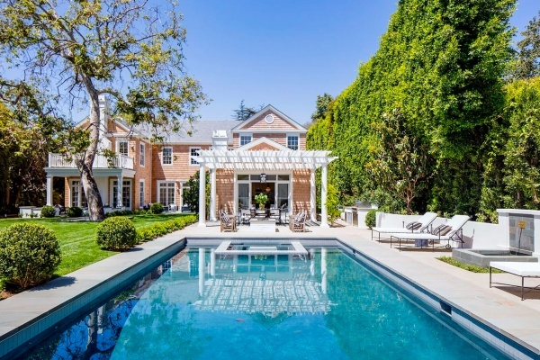 Fleetwood Mac's Lindsey Buckingham Lists Brentwood Mansion for $22.5M