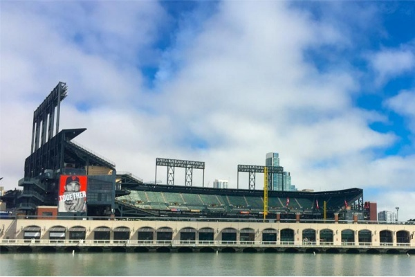 Title photo - A First-Timer's Guide to San Francisco Giants Games at AT&T Park