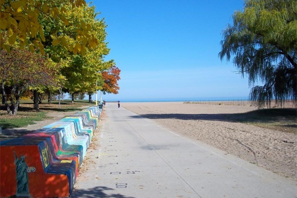 Everything You Need to Know About Rogers Park, Home of Loyola-Chicago