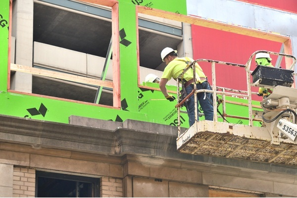 Chicago Construction Declines for First Time in Six Years
