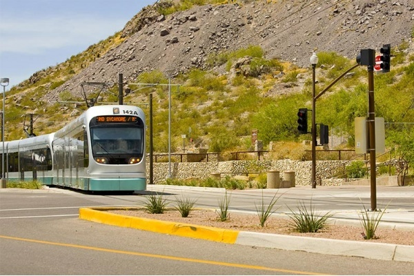 6 Suburban Cities With Easy Commutes to Phoenix