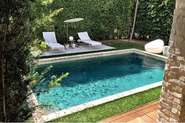 Statistics Show That Pools Add Value to South Florida Homes