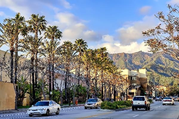 5 Reasons to Live in Burbank, California