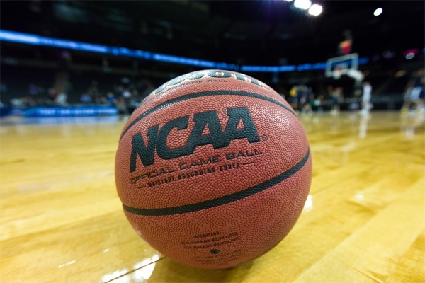 Find Your College's Bar in Houston for March Madness