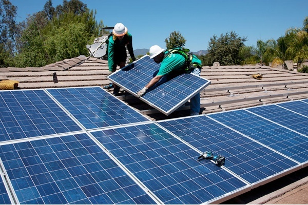 Title photo - California Requires Solar Panels on All New Homes