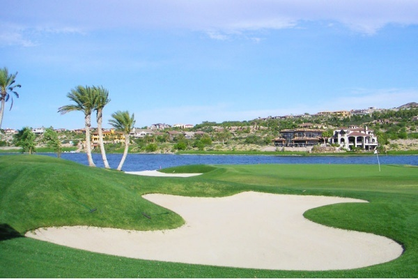 Title photo - A Guide to Luxury Golf Course Communities in Las Vegas