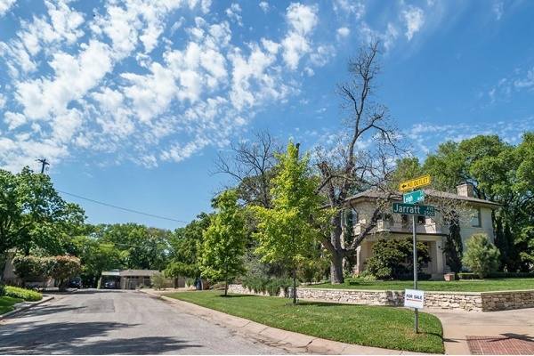 Find a One-Of-A-Kind Vintage Home in These 5 Austin Neighborhoods