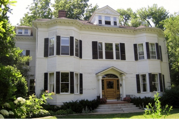 Hinsdale's Stock of McMansions Tough to Unload in Today's Market