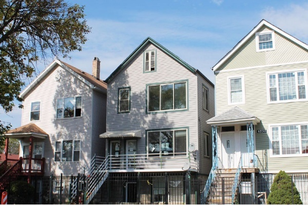 Discover the Neighborhood Vibe of Chicago's Humboldt Park