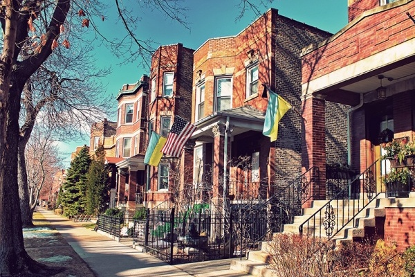 Which Chicago Neighborhoods and Suburbs Struggled With 2017 Home Sales?