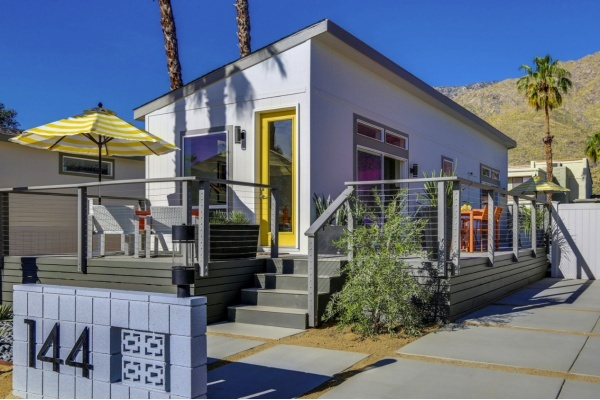 Palm Springs Mobile Home Park Converted Into Modern Tiny Homes