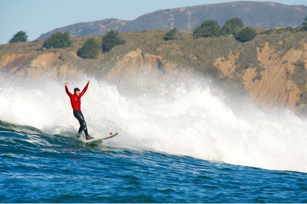 Where to Hangout Near Northern California's Mavericks Surf Competition