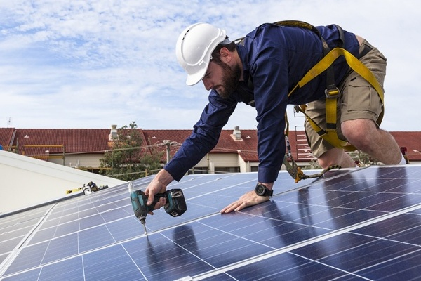 With SolSmart Designation, Schaumburg Homeowners Can More Easily Use Solar Energy