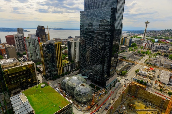 Which neighborhood should Amazon choose for its second headquarters?