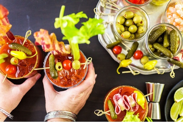 Tour These Chicago Neighborhoods on the Quest to Find the Perfect Bloody Mary