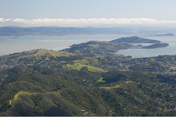 Title photo - Marin County Partially Approves Tiburon Housing Development