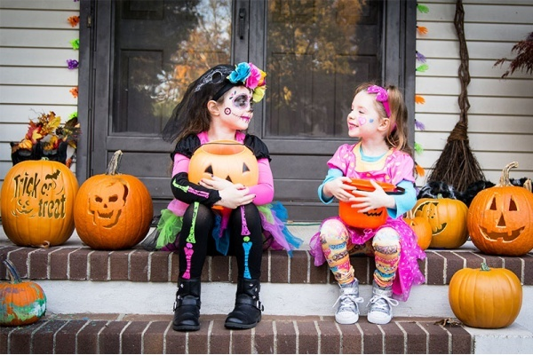 The Best Houston Neighborhoods for Celebrating Halloween
