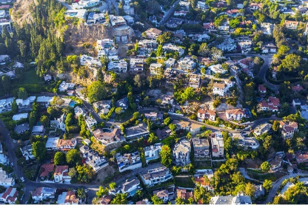 6 Things You Need to Know About Buying a Home in Hollywood Hills